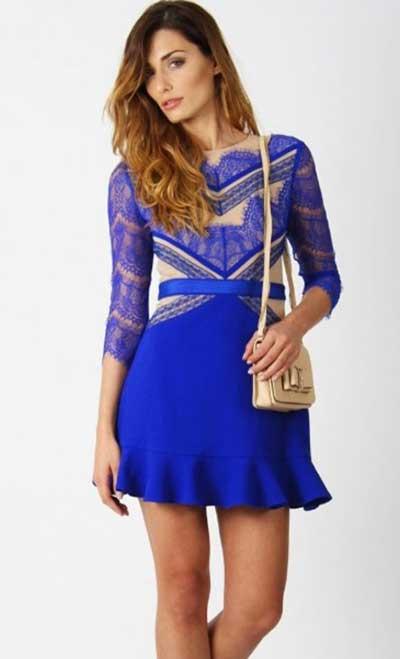Vestido de renda com tule azul marinho