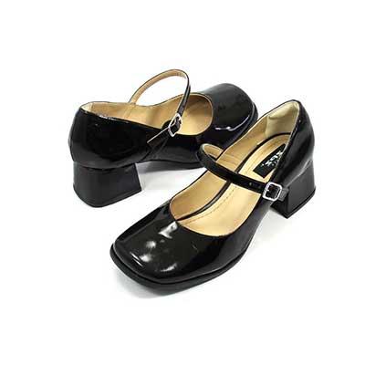 Resultado de imagem para sapato feminino boneca