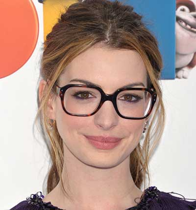 35 Dicas de Modelos de Óculos Quadrados Femininos a51efb2c3f