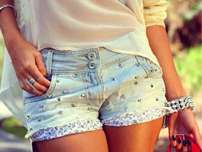 shorts com spikes da moda