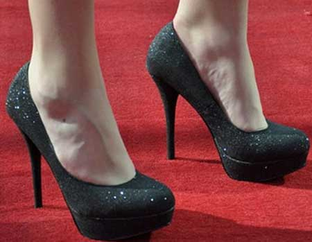 sapatos de festas para looks femininos