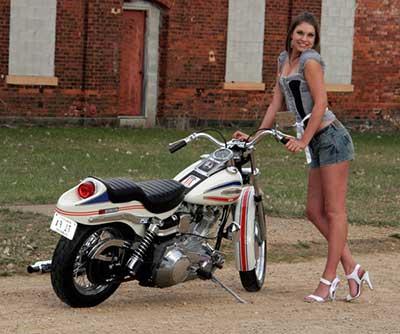 imagens de mulheres de shorts