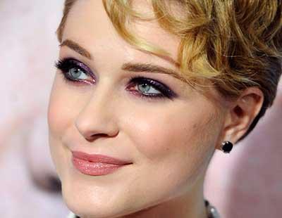 imagem de maquiagem roxa