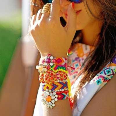 modelo feito por hippies