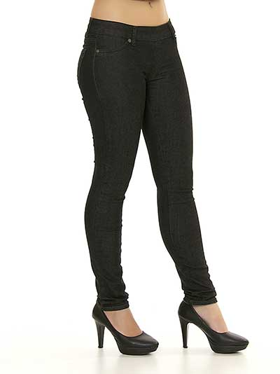 calça jeans preta da moda