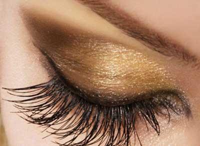 foto de maquiagem dourada