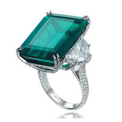 anéis de esmeraldas