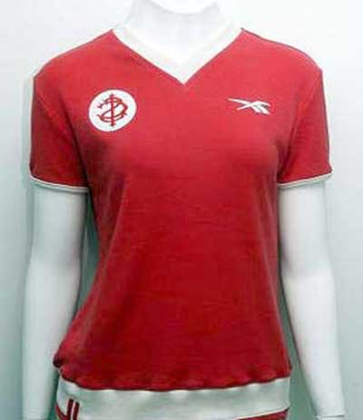 fotos de camisetas retrô