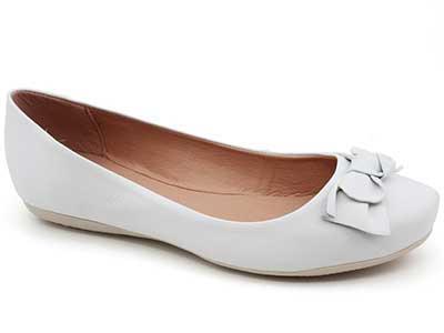 fotos de sapatilhas brancas