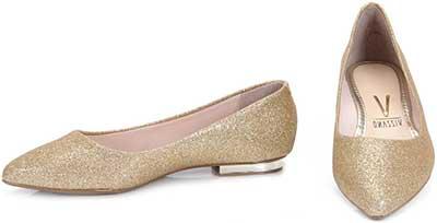 de40ebf44 Como está querendo ganhar mercado ainda, há diversas sapatilhas em promoção.  Não são de grifes, ...