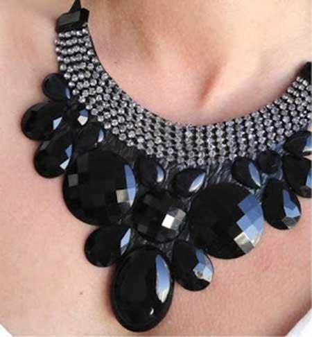 modelos de colares pretos