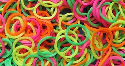 fotos de pulseiras de plástico