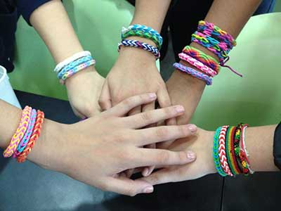 pulseiras de elásticos