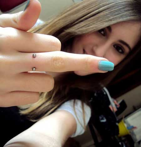 piercings no dedo