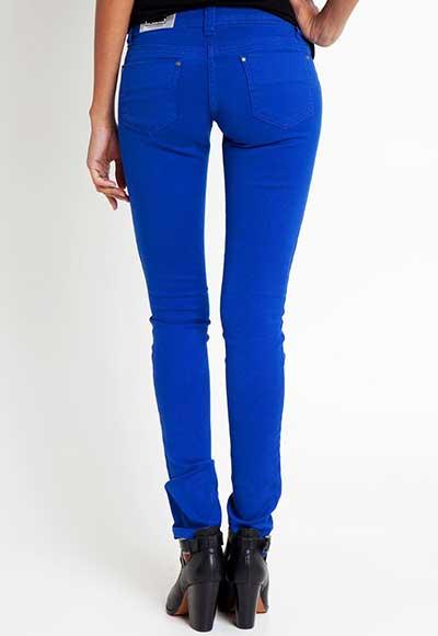 looks com calças azuis
