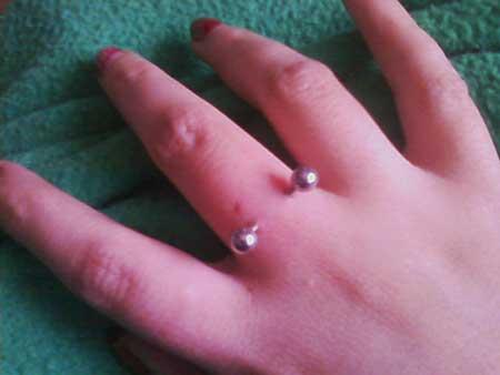 imagens de piercings no dedo