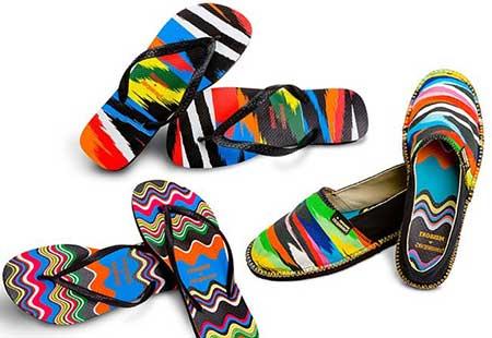 sandálias coloridas